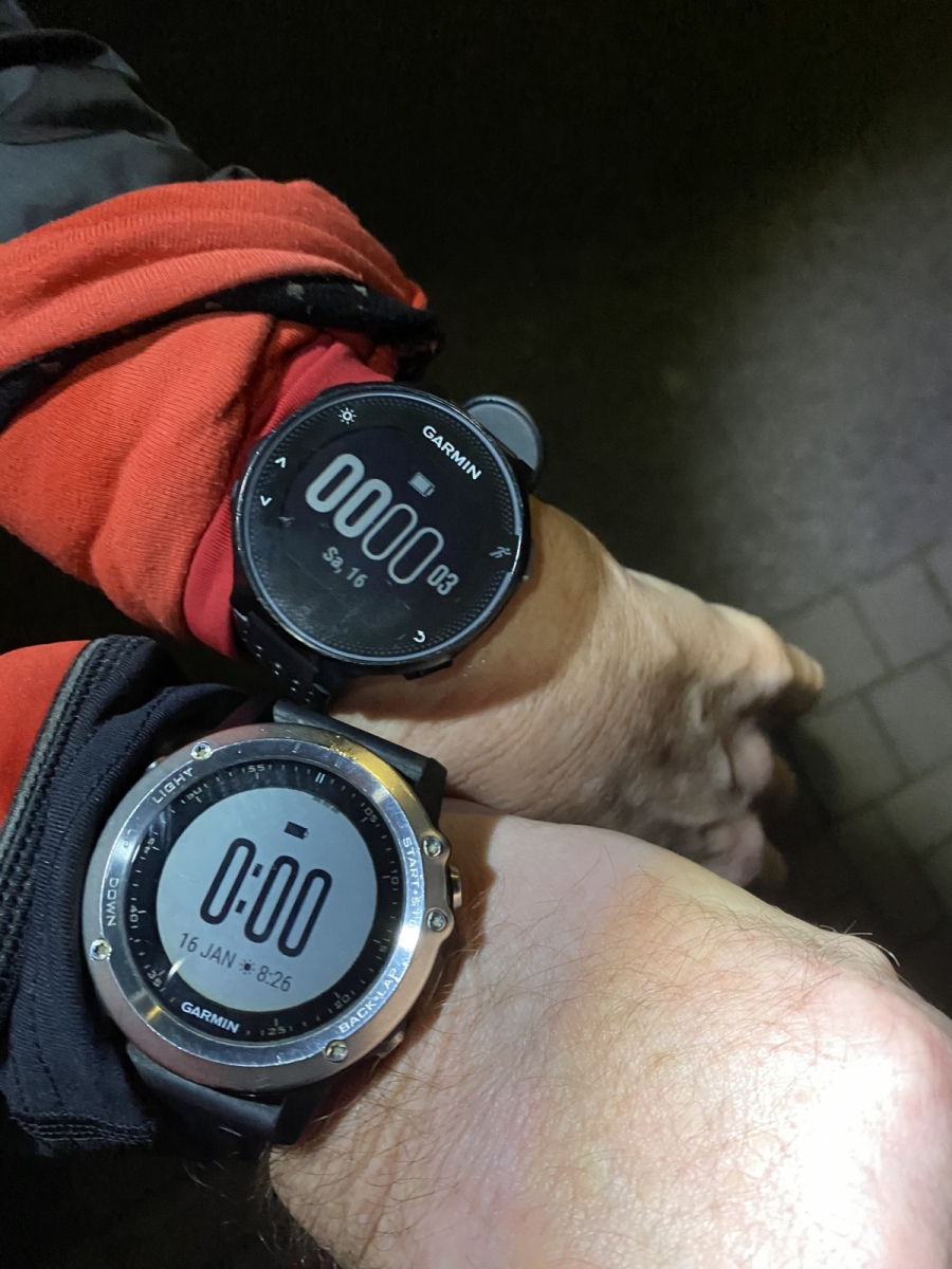 Grefe-Ruediger-3-Challenge-Mitternachts-Lauf-UOUmy