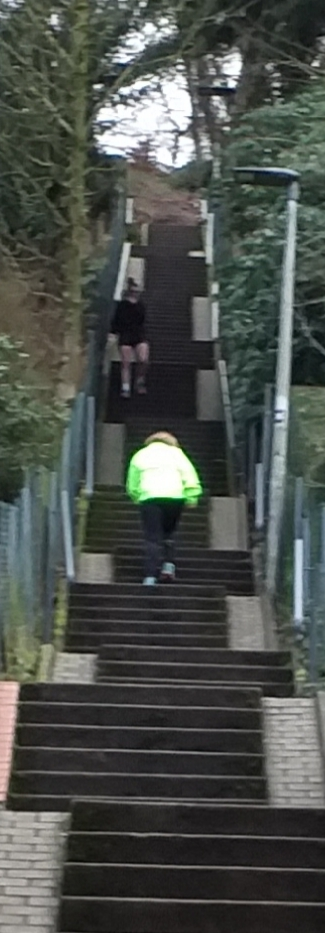 Herrmann-Martina-6-Challenge-Treppenlauf-JIp2S